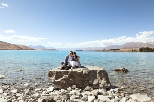 lake-tekapo-rock-wedding
