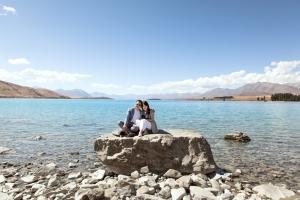 lake-tekapo-rock-wedding